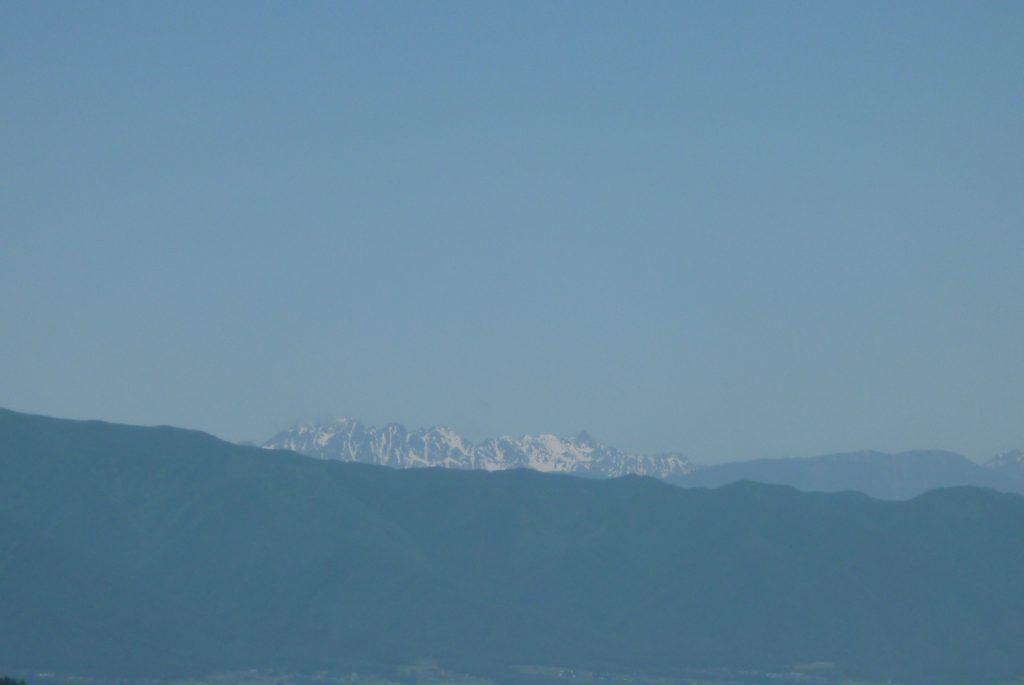 新山峠 - 北アルプスを望む